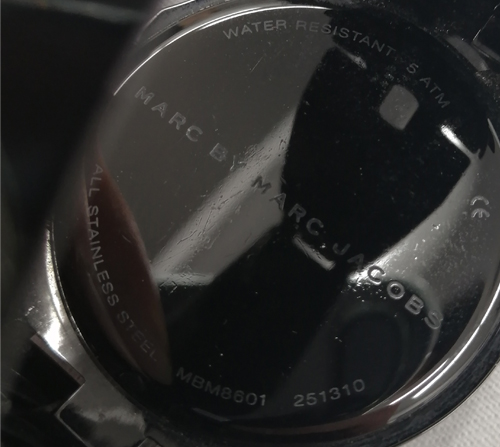 マークジェイコブス腕時計裏ブタの査定画像