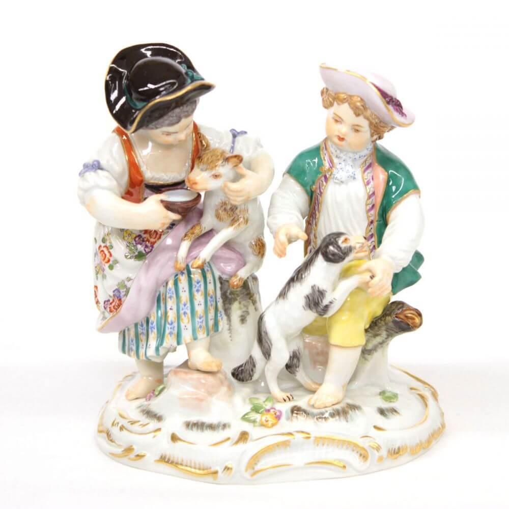 フィギュリン/羊と犬と子供たち