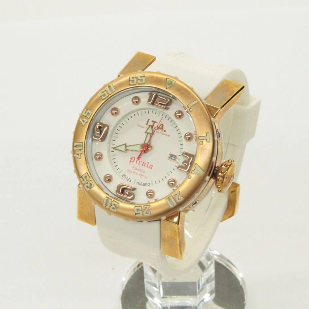 ピラータ/腕時計