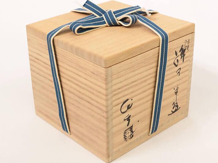 骨董品の箱